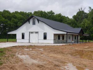 Difference Between a Barndominium and House